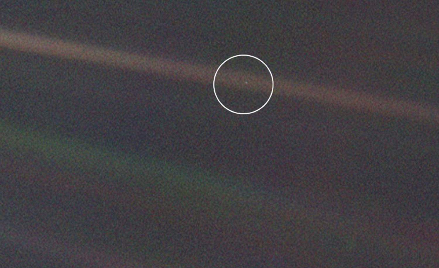 Voyager 1 Pale Blue Dot