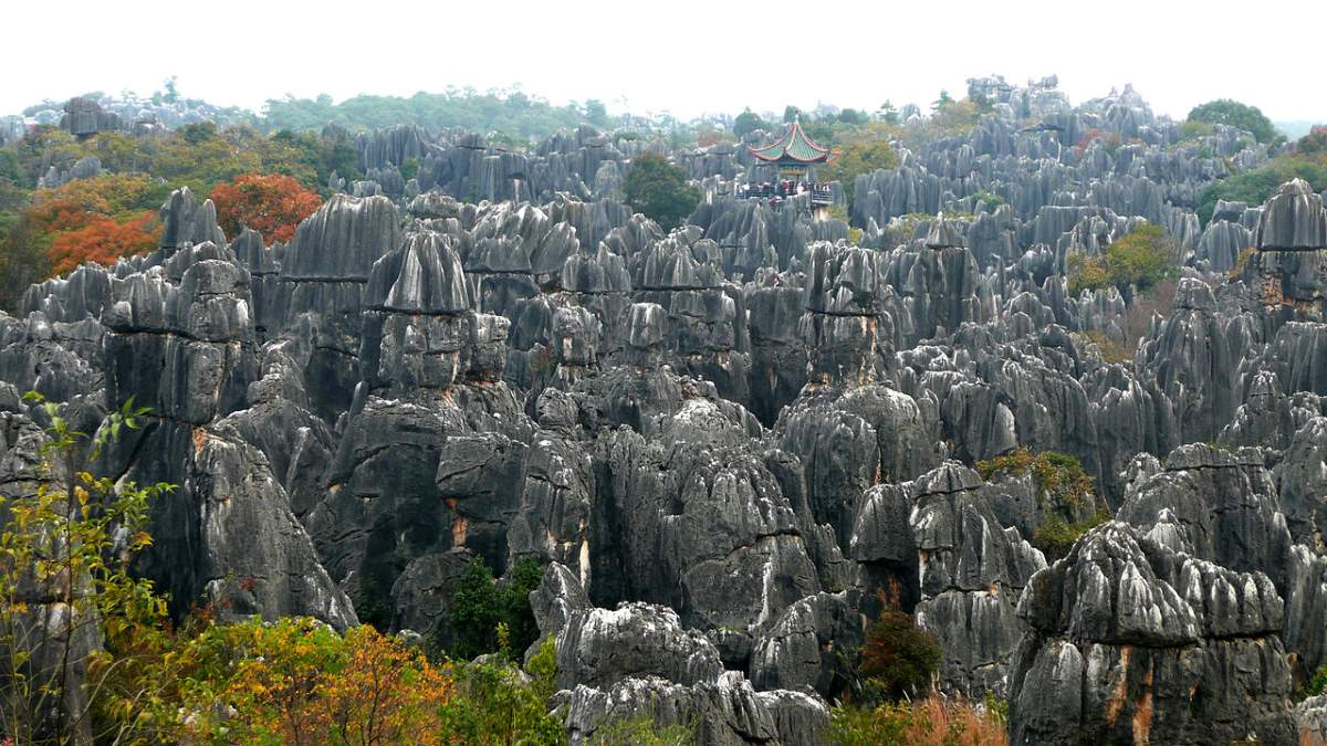 10 Lesser Known Natural Wonders: Shilin Stone Forest