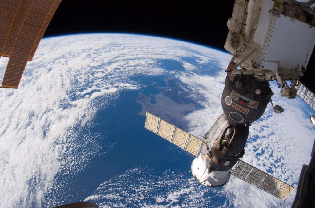 observation - Can I see the ISS from the surface with the naked eye? - Space Exploration Stack