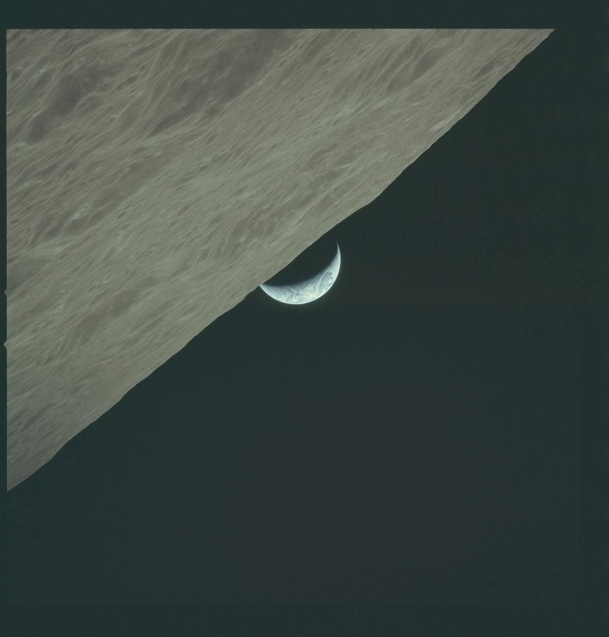 AS17-152-23274 Apollo 17 Hasselblad image