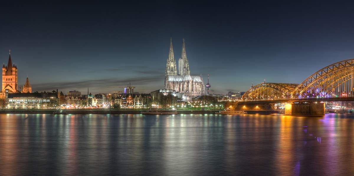 Countries having most number of UNESCO World Heritage Sites: Cologne Cathedral at night