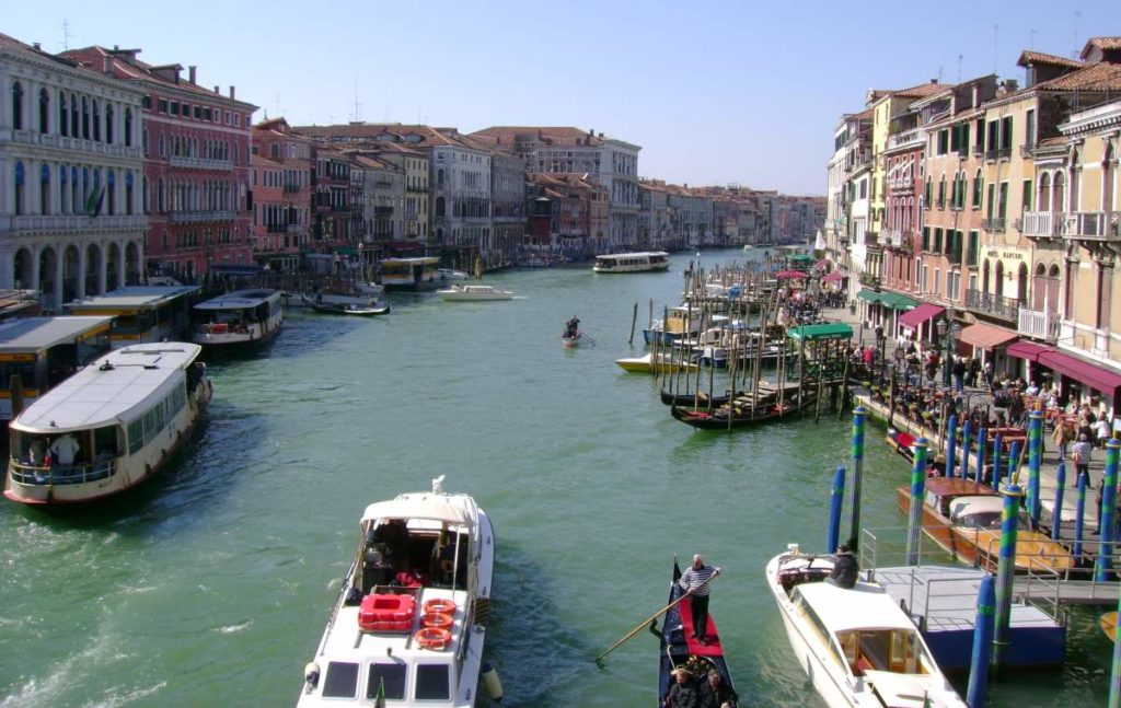 Is Traveling Abroad Bad for the Environment? Venice - The Grand Canal from the Rialto Bridge (March 2009)