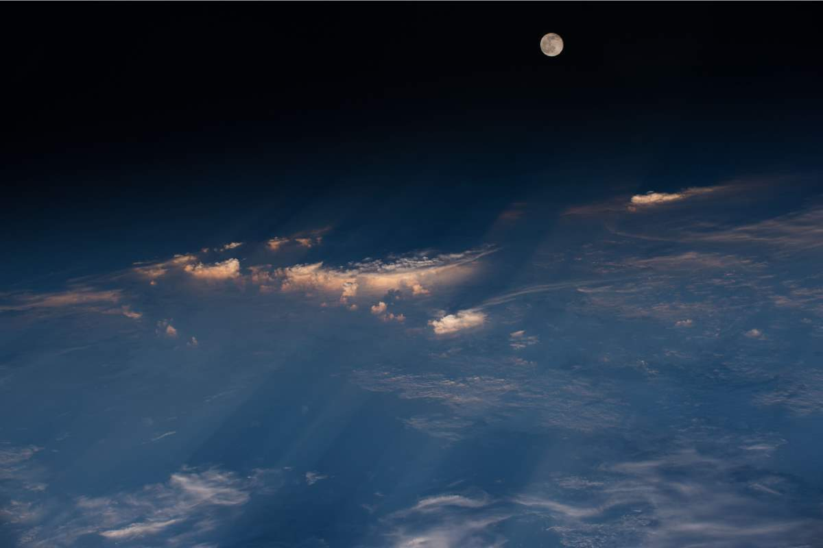 Most Beautiful Earth Images Taken From the International Space Station in 2016: International Space Station View of the Full Moon