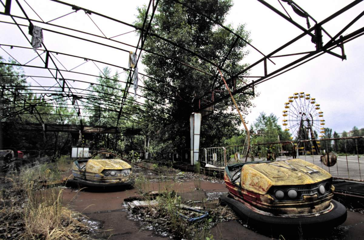 What would happen if humans became extinct? Pripyat amusement park after Chernobyl disaster