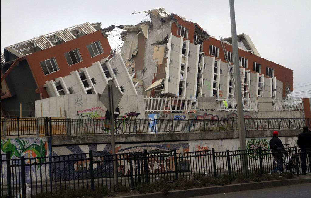 Most Powerful Earthquakes: A destroyed building after 2010 Chile earthquake