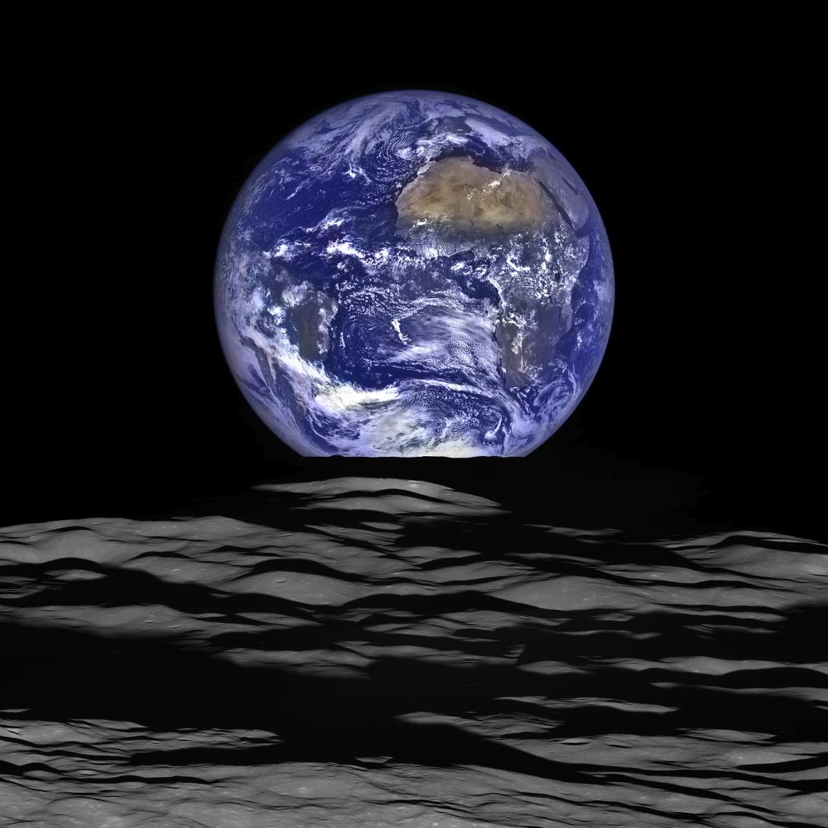 Most Iconic Photos of Earth from Space: Earthrise, from LRO (2015)