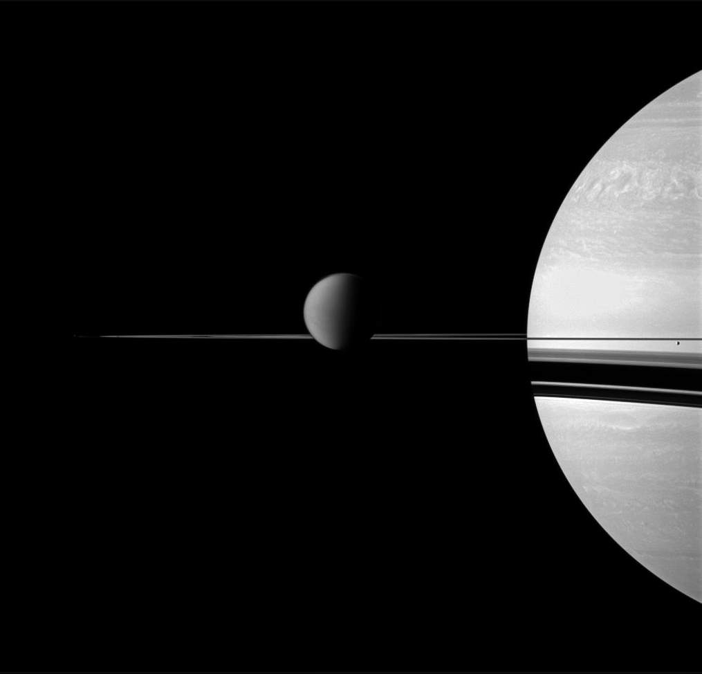 Saturn and Moons, Cassini image (January 15, 2011)