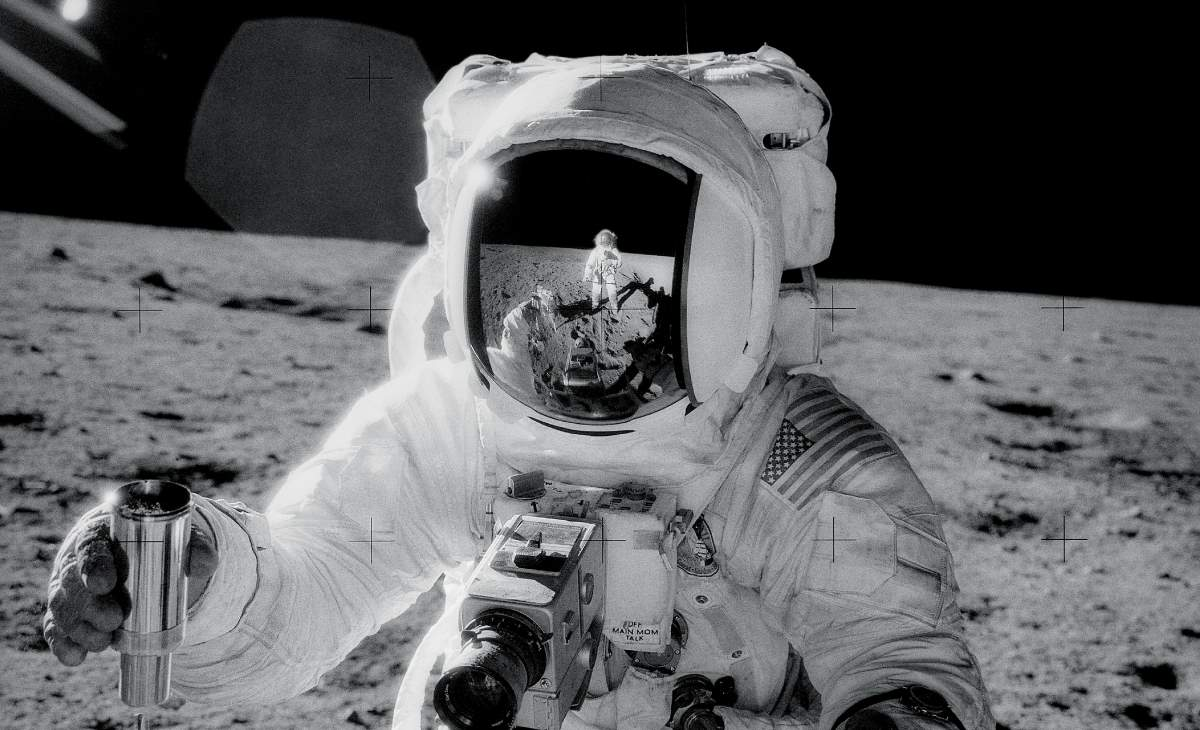 Alan Bean on the moon during the Apollo 12 mission (cropped)