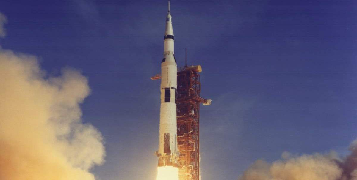 Apollo 11 launch (cropped)