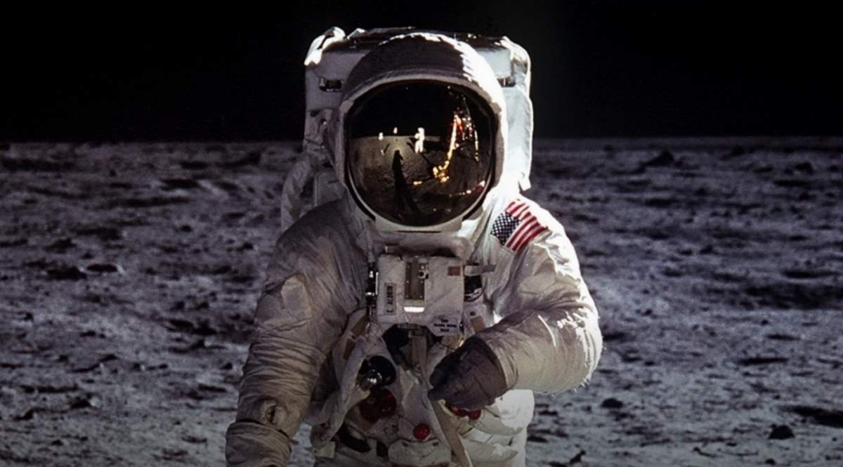 Buzz Aldrin on the Moon (cropped)