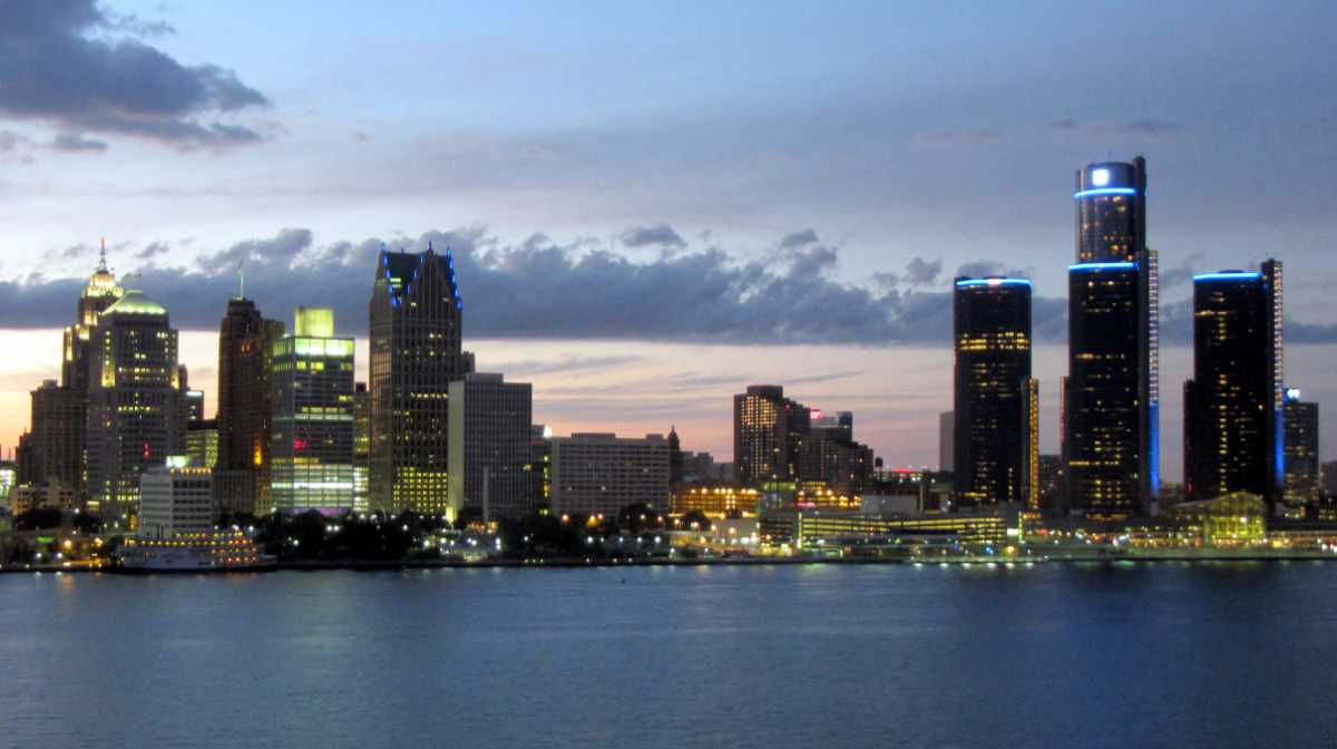Geography Facts - Detroit Skyline from Windsor, Canada