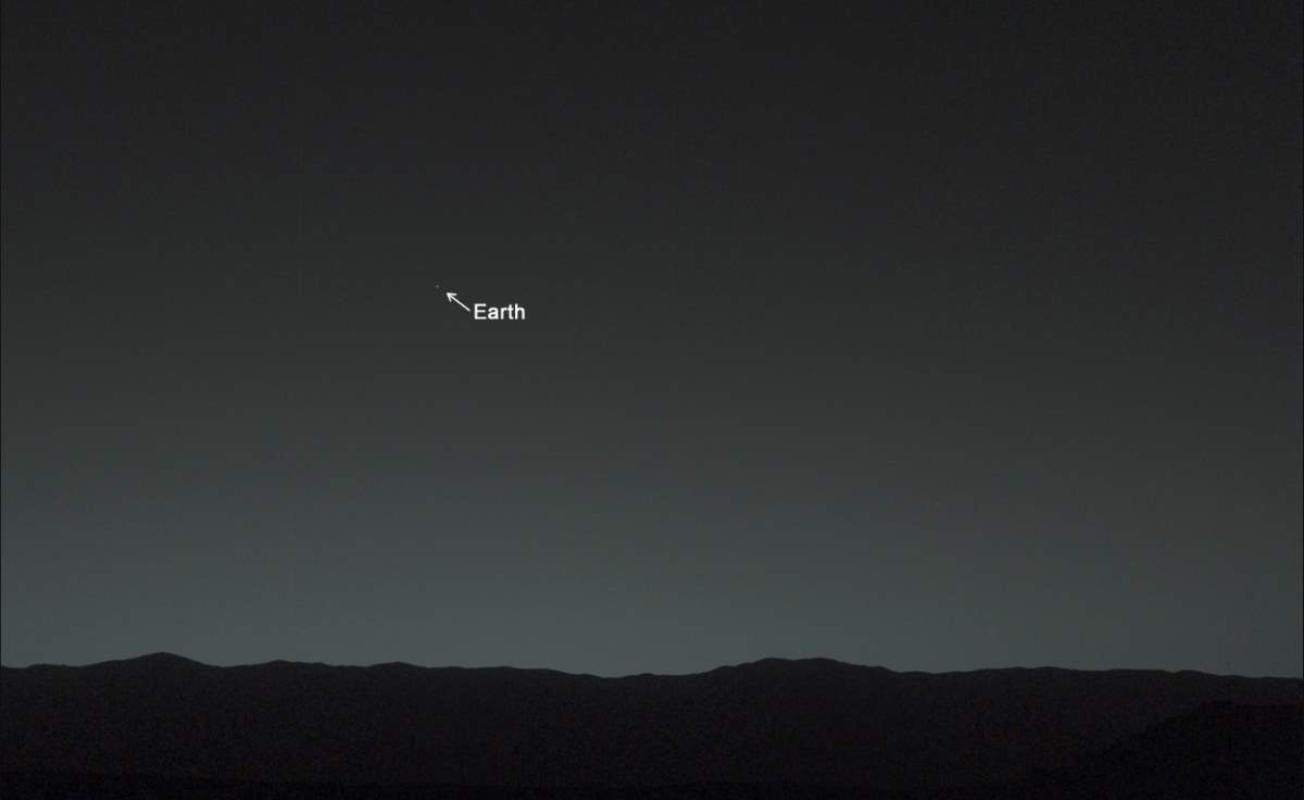PIA17936: Earth from Mars by the Curiosity Rover (January 31, 2014), Annotated version 1