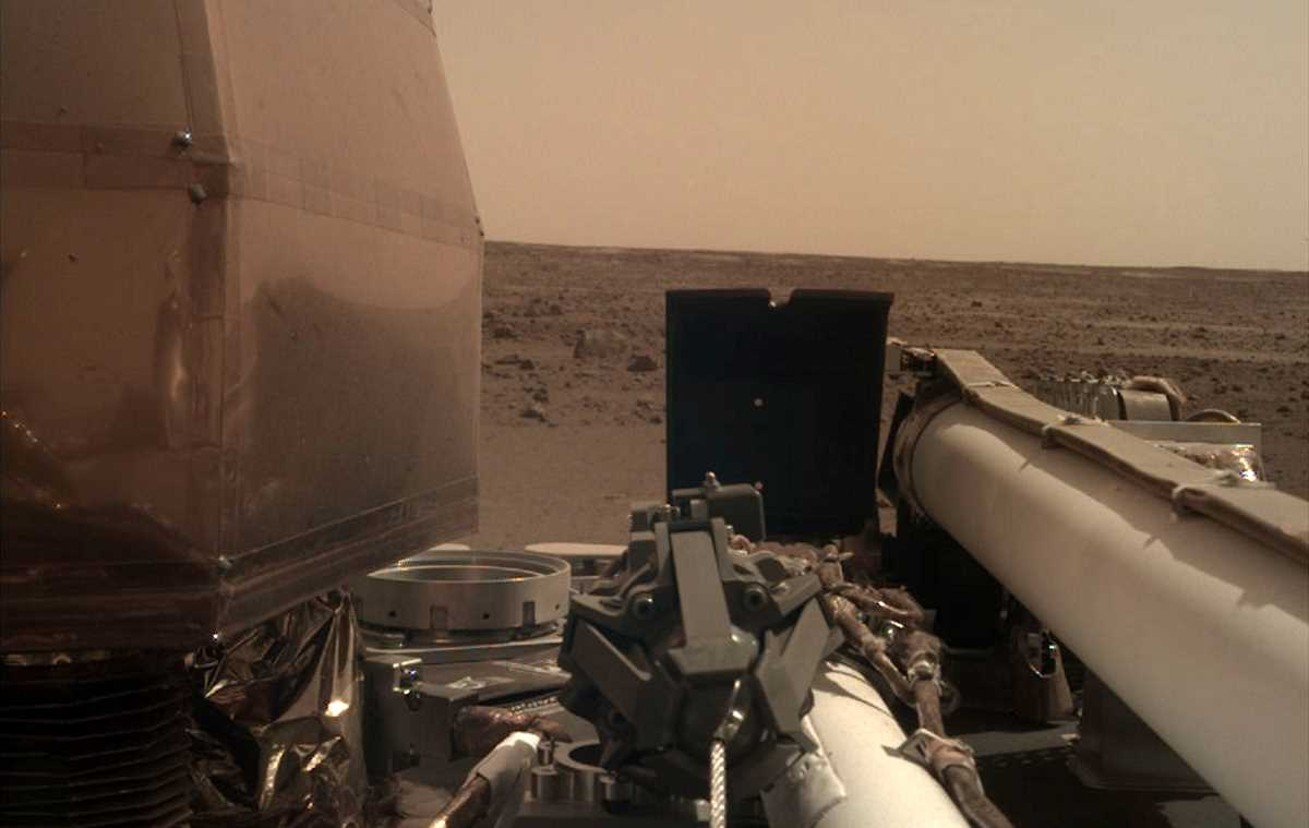 InSight image acquired on November 27, 2018, Sol 1 (cropped)