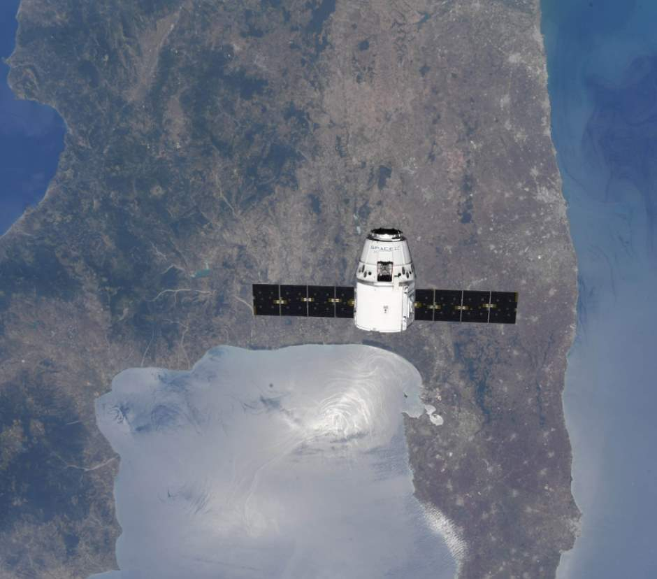 Top 10 Most Beautiful Earth Photos Taken From the International Space Station in 2018: SpaceX Dragon Spacecraft over Italy. July 2, 2018.