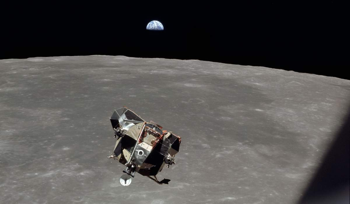 Apollo 11 Lunar Module ascent (cropped)