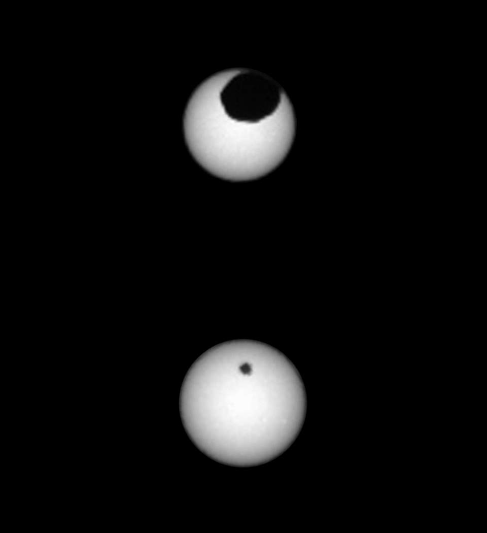 Solar eclipses on Mars