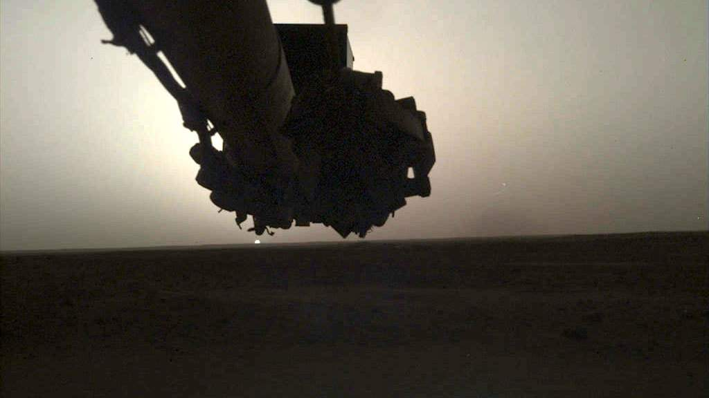 Sunrise on Mars (InSight image)