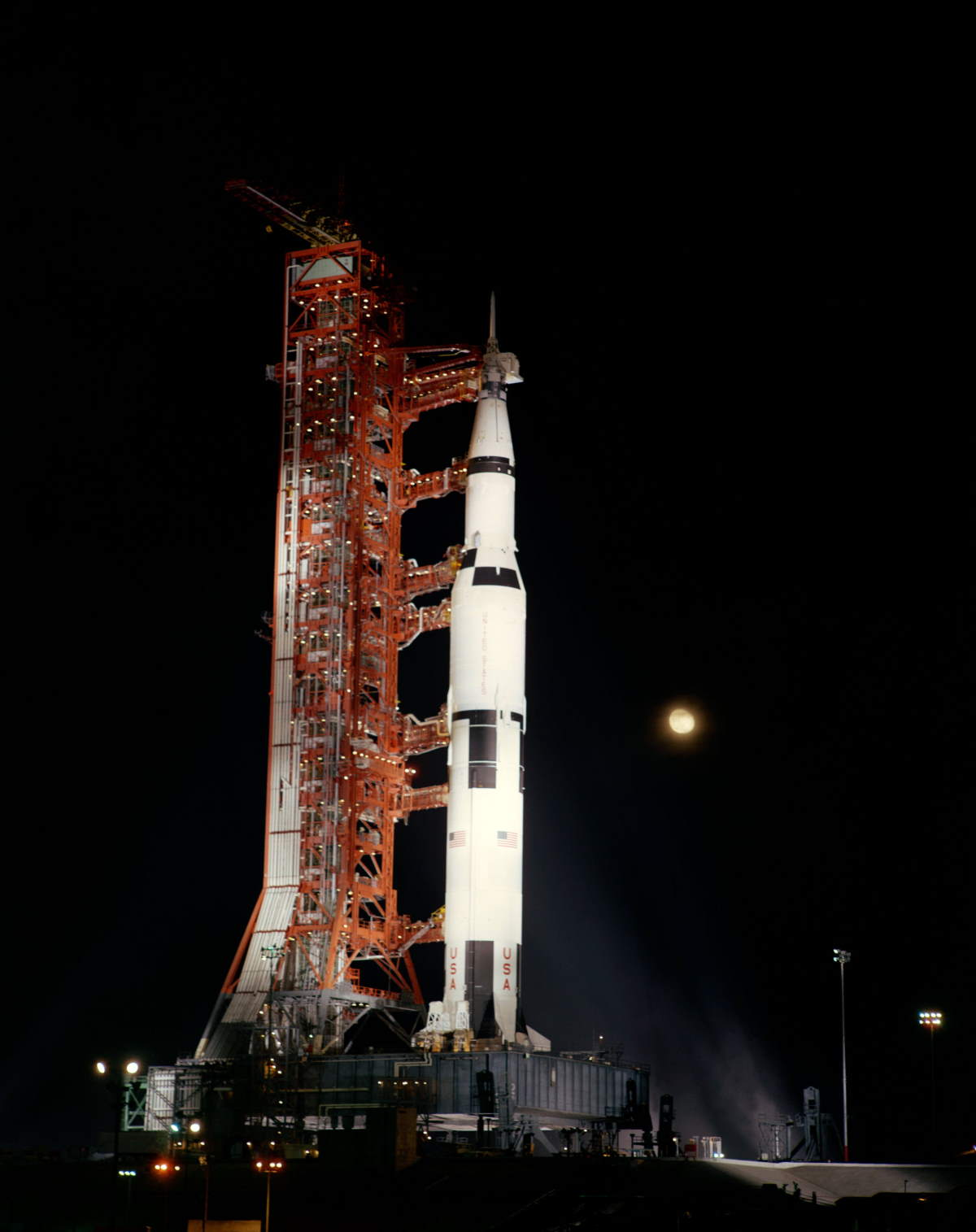 Apollo 12 at the launchpad 39A