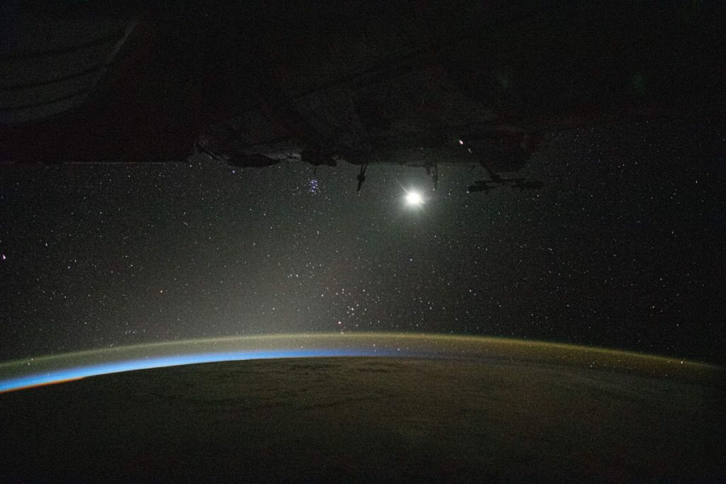 Most beautiful Earth photos from ISS in 2019 - The Moon and the Milky Way