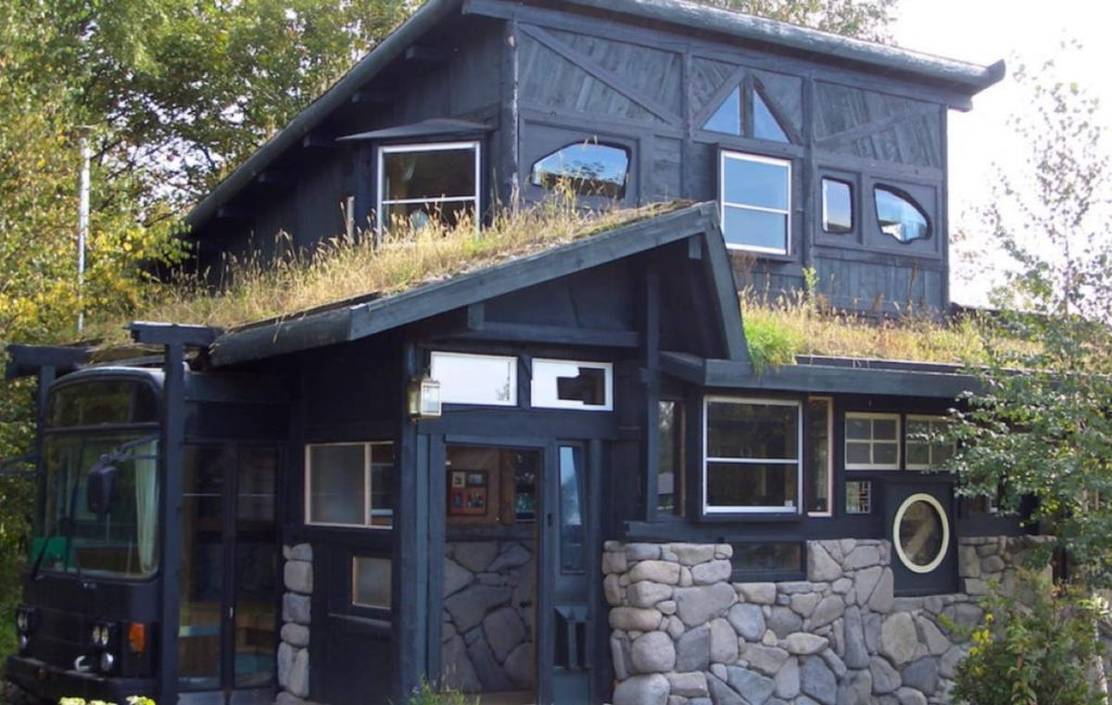 Building Houses From Recyclable Materials: A house built with recyclable materials