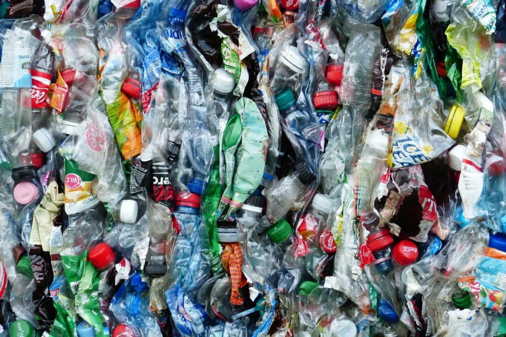 How Businesses Are Reducing Their Reliance on Plastics: Plastic pollution